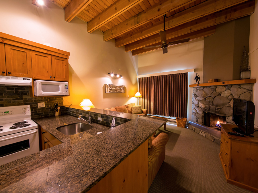 Tantalus Whistler Lodge Premier Luxury Suites with Kitchen
